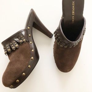 Newport News mules clogs Brown 5.5 shoes